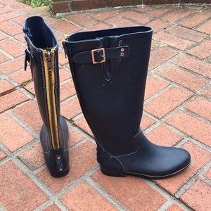 25f9fc49ce6 Steve Madden navy rubber rain boots yellow zipper